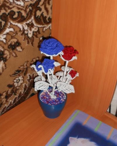 Продам Цветы из бисера в Нижнем Новгороде.